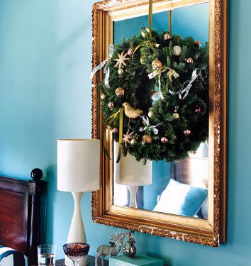 cleverly layered wreath over mirror