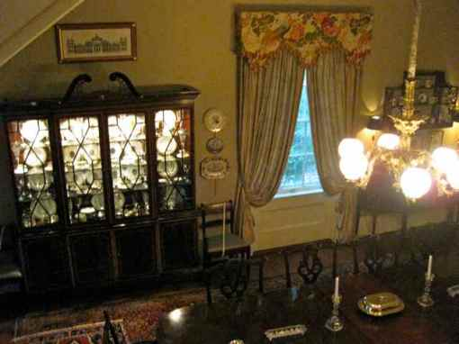 gorgeous chippendale china cabinet
