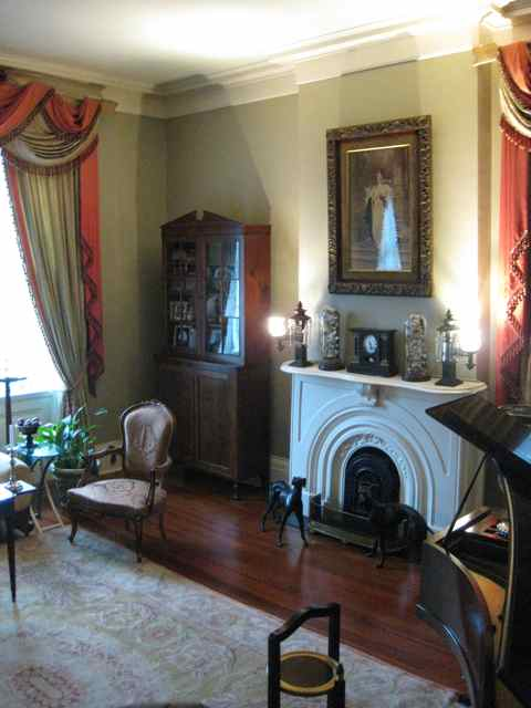 the sitting room next to the dining room
